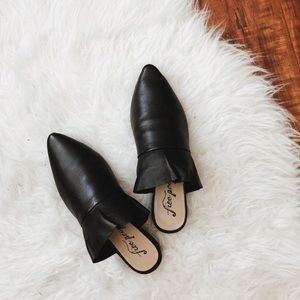 Free People • Sienna Slip On Shoes Black
